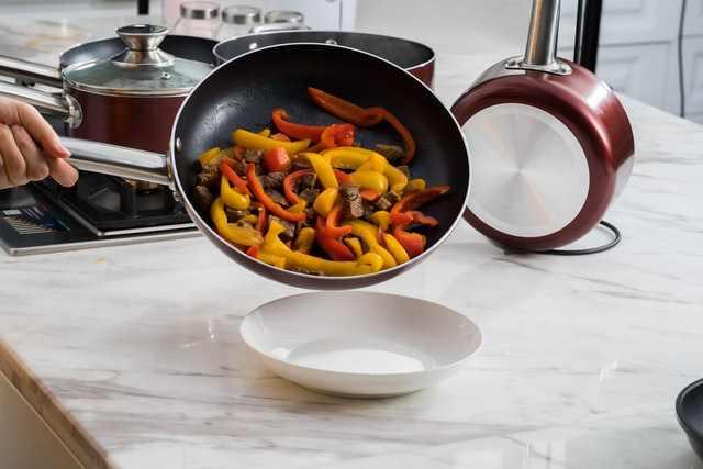 Anolon Vs Calphalon Cookware