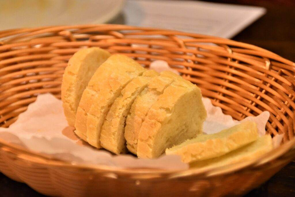 slicing bread with a bread slicer