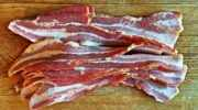How to Defrost Bacon in the Microwave